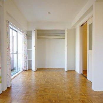 こう見ると普通のお部屋に見えます笑。