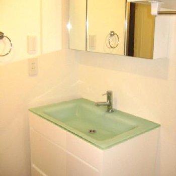 オシャレな洗面台!!清潔感が好きです。