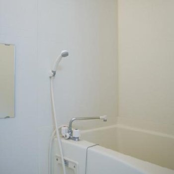 お風呂はノーマル。乾燥機付き※写真別部屋※写真は別部屋