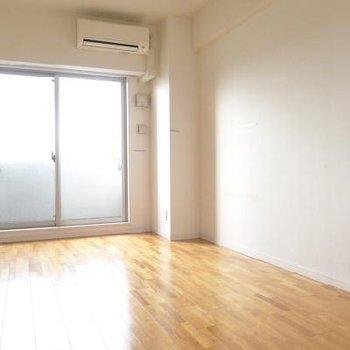 明るいお部屋です。