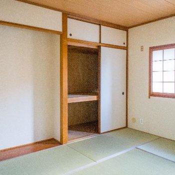 和室には床の間も付いています。