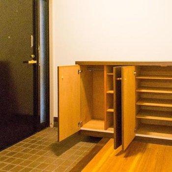 大容量のシューズボックス。※写真は107号室