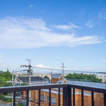共用屋上からの眺望はとっても綺麗 です♪
