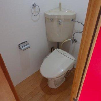 トイレにはウォシュレット付き