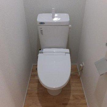 トイレは2階に。
