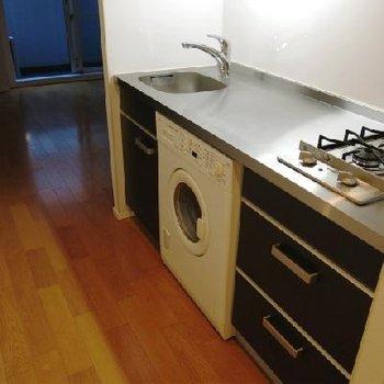 洗濯機つき!忙しい貴方にぴったり。※写真は別部屋
