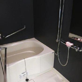 男前な浴槽。※写真は別部屋