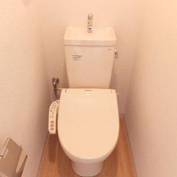 トイレは個室!