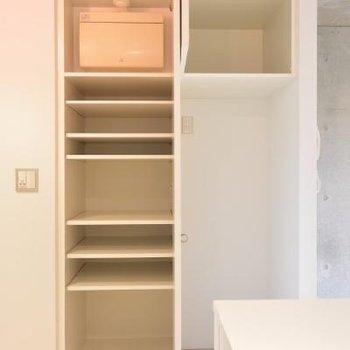 冷蔵庫は靴箱の隣に…