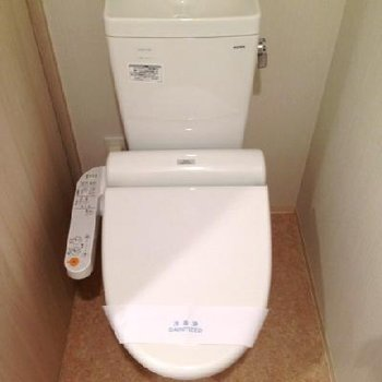 ちゃんと個室トイレです。