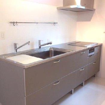 キッチンはスタイリッシュ!理想ですね。