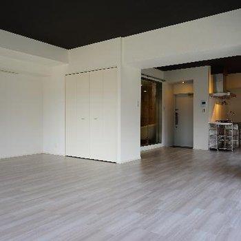 ※5階のお部屋(間取りは一緒、床材が違います)
