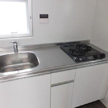 キッチンには食器を乾かせるスペースちゃんとあります!