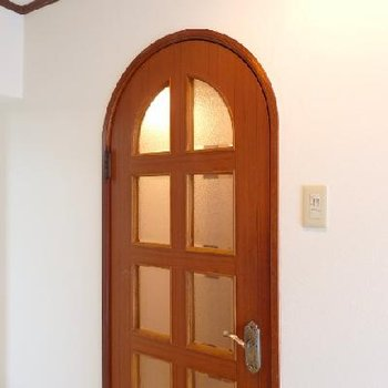 このまーるいドアがステキなのよね