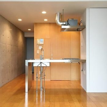 綺麗なデザイナーズ。木×コンクリート。