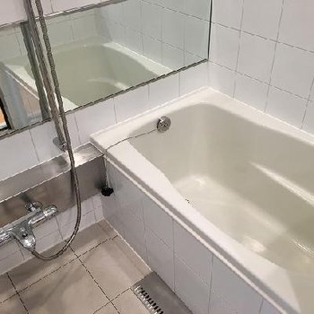 お風呂はタイル!クール!!
