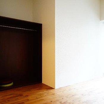 収納は可動式で広いお部屋を区切ってもよさそう♪