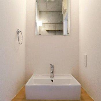 独立洗面台はこちらです。