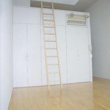ここの1Fのお部屋ですが、天井が高い※写真は別部屋