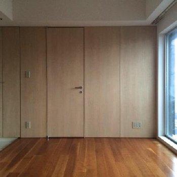 木の質感が良い内壁もオススメ※写真は11階