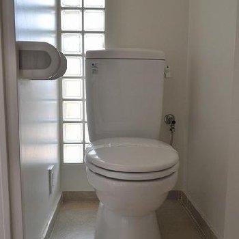 トイレもかわいらしい雰囲気※写真は別のお部屋です