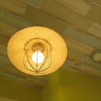 ランプみたいでレトロ可愛い。