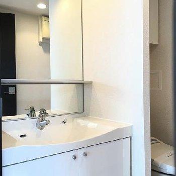 洗面台とトイレは同室