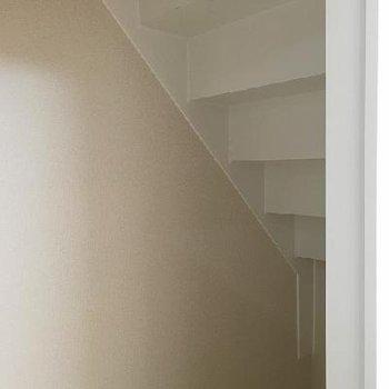 階段下のデッドスペースを有効活用