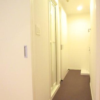 水回りに繋がる廊下。この廊下がとっても好きです。