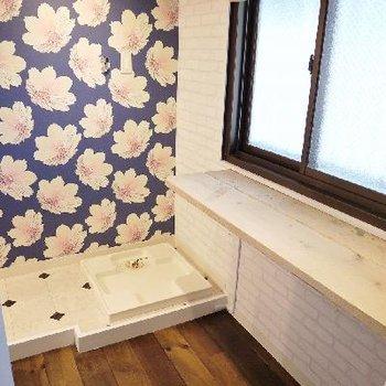 洗濯機置き場権作業スペース兼収納スペースは広い