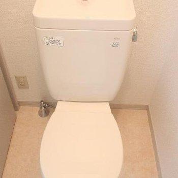 温水洗浄便座は付いてません