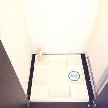 玄関横に洗濯機置場もあります!