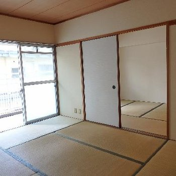 2つのお部屋は和室です。