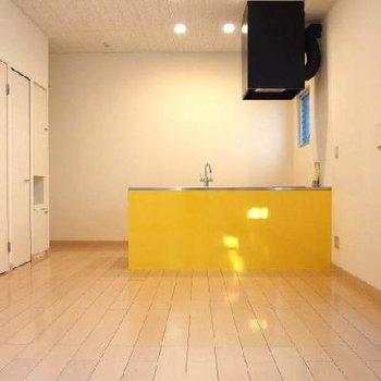 黄色のキッチン!