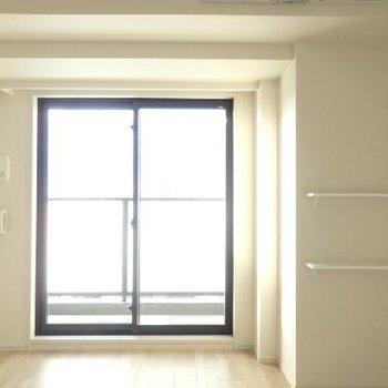 内装はシンプル。※この写真は別部屋です。