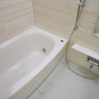 お風呂も広々機能的!