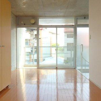 2階。こちらは床の色味が少し違いますね※写真は同タイプの別部屋