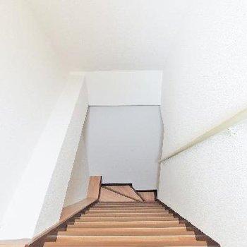 行きはよいよい帰りは恐い…な階段です。