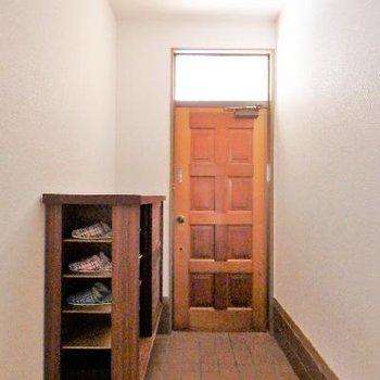 玄関にはたっぷり収納の靴箱!