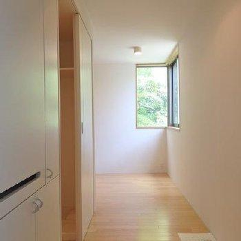 玄関入ったらこんな感じ※写真は別部屋です。