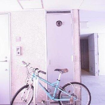 玄関前スペース自由に使えます。