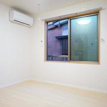 5.4帖のシンプルなお部屋です!※写真は同間取り2階