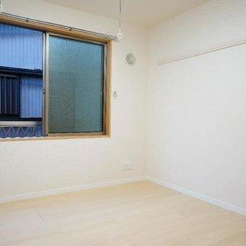 窓が高い位置にあるのが◎※写真は同間取り2階