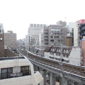 線路が見える〜 電車も見える〜※写真は別のお部屋です