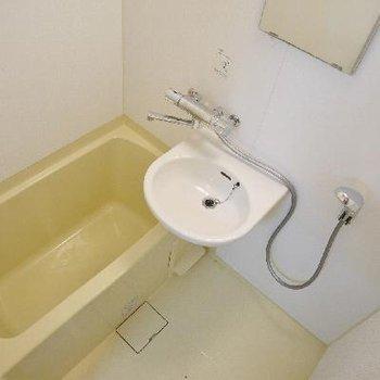 お風呂は蛇口やシャワーヘッドを交換!