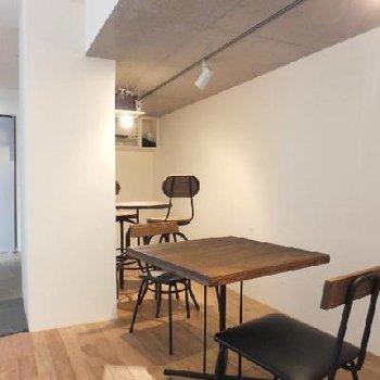 カフェの様なマンションロビー部分