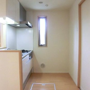 キッチンにも窓◎角部屋の特権です。