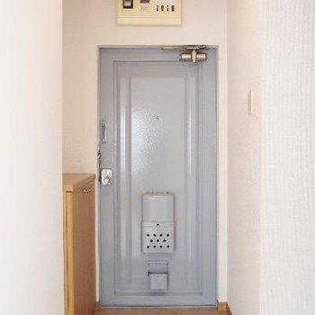 レトロなドアが可愛い!