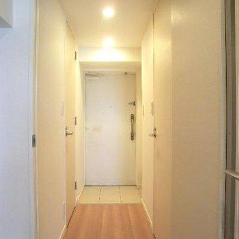 廊下部分です。清潔感あります。