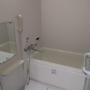 追い炊き機能つきのお風呂。※写真は別のお部屋です